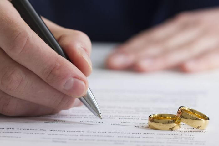 Antenuptial Agreements in MN Divorces: Not a Vote of 'No Confidence'