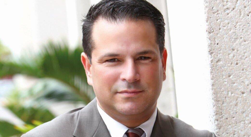 Gustavo D. Lage