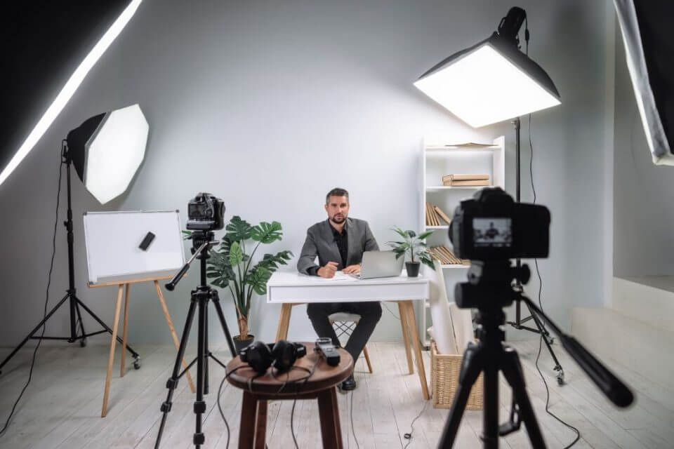 How To Use LinkedIn Video For Your Law Firm Marketing