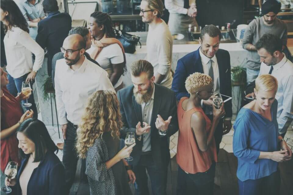 10 Steps to Holiday Networking Success