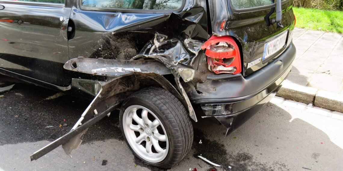 Suing After Car Accident: Why Cases Rarely Get Resolved in Court