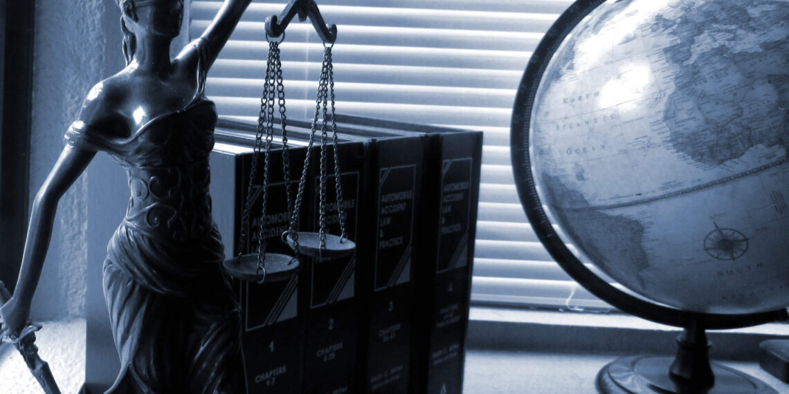 How Are Trial Attorneys Different From Corporate Attorneys?
