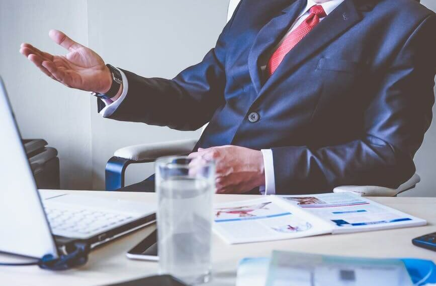What Makes a Good Lawyer and Law Firm: Top Qualities of a Good Lawyer