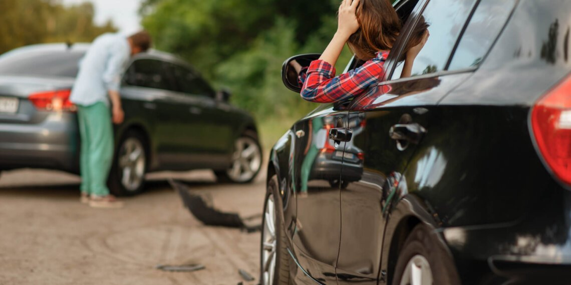 When To Call A Lawyer For An Auto Accident