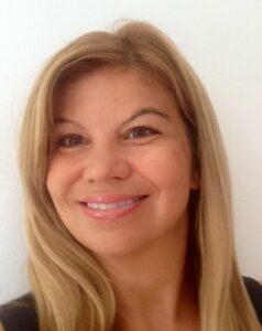 Claudia Alvares