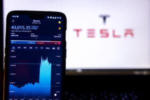 Elon Musk Wants You to Buy a Tesla with Bitcoin