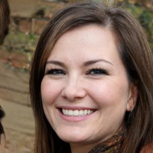 Maureen Lunde