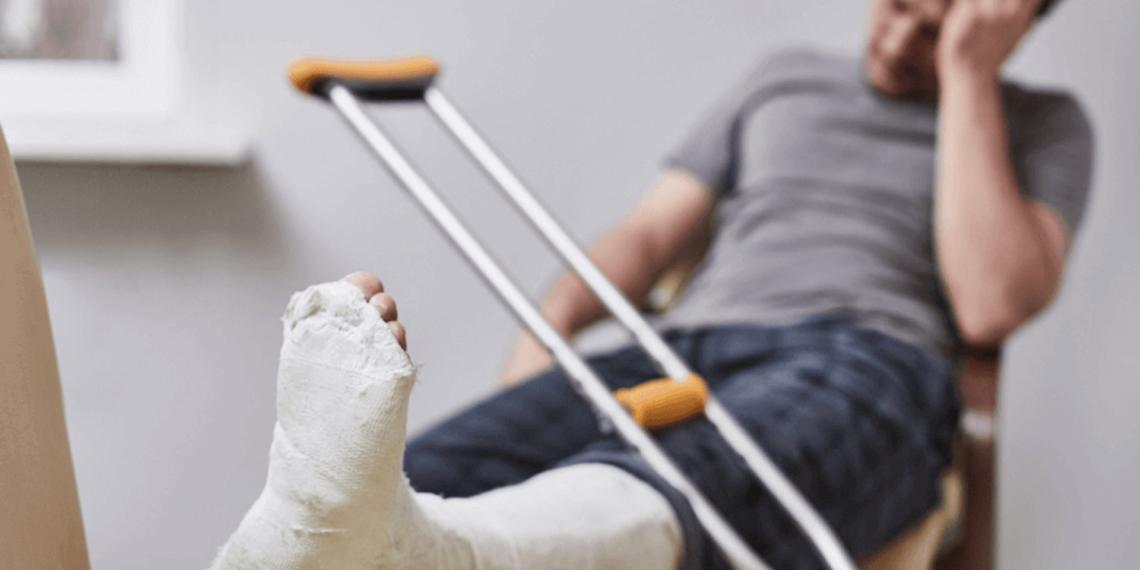 Man in cast from a personal injury in Abilene, TX