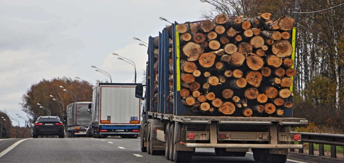 5 Reasons Why Overloaded Trucks are a Danger on the Road