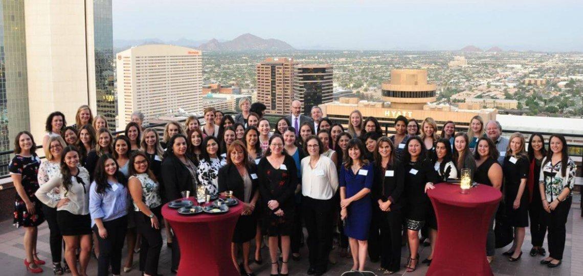 Los Abogados Latina Committee