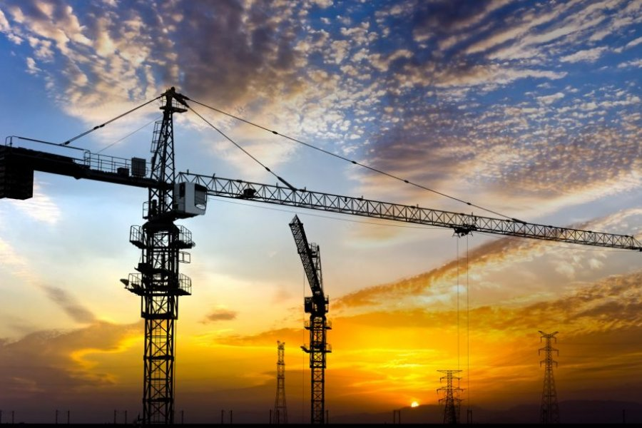 construction-sunset-photo-with-cranes