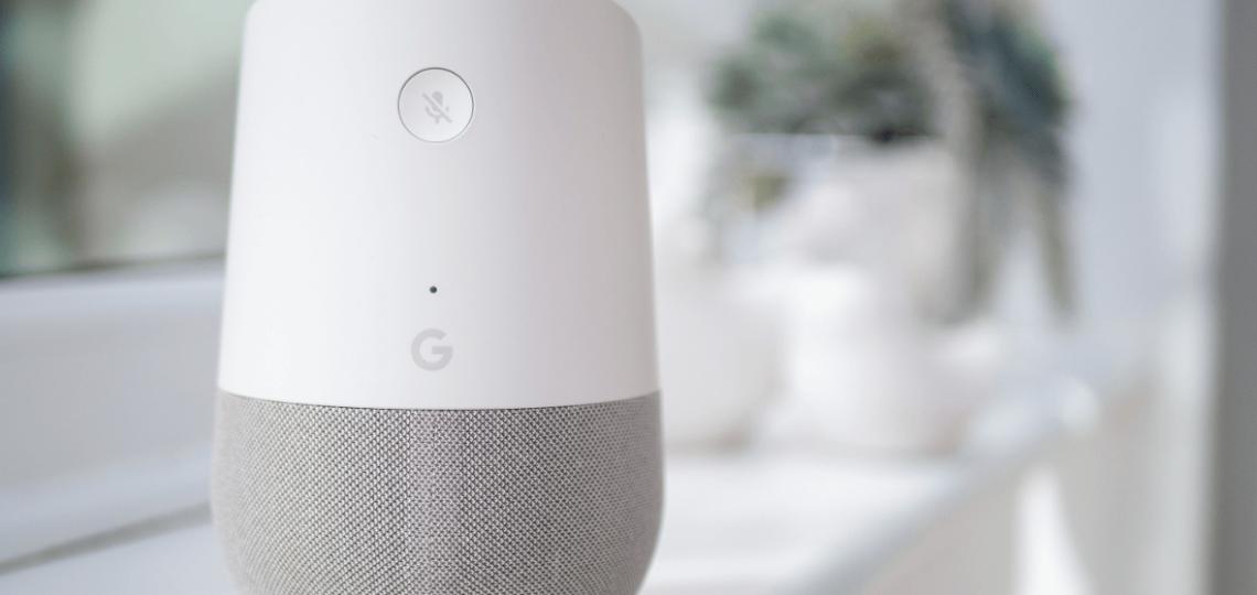 smart speaker devices